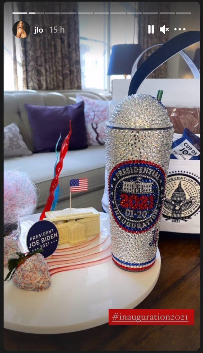 'Merchandising' de la investidura de Joe Biden, colgado por Jennifer Lopez en su perfil de Instagram.